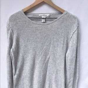 H&M light weight gray sweater l.o.g.g